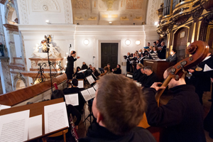 Kroenungsmesse, Wolfgang A. Mozart in der Karlskirche Wien, Leitung: Ricardo Luna Foto: Tino Ranftl
